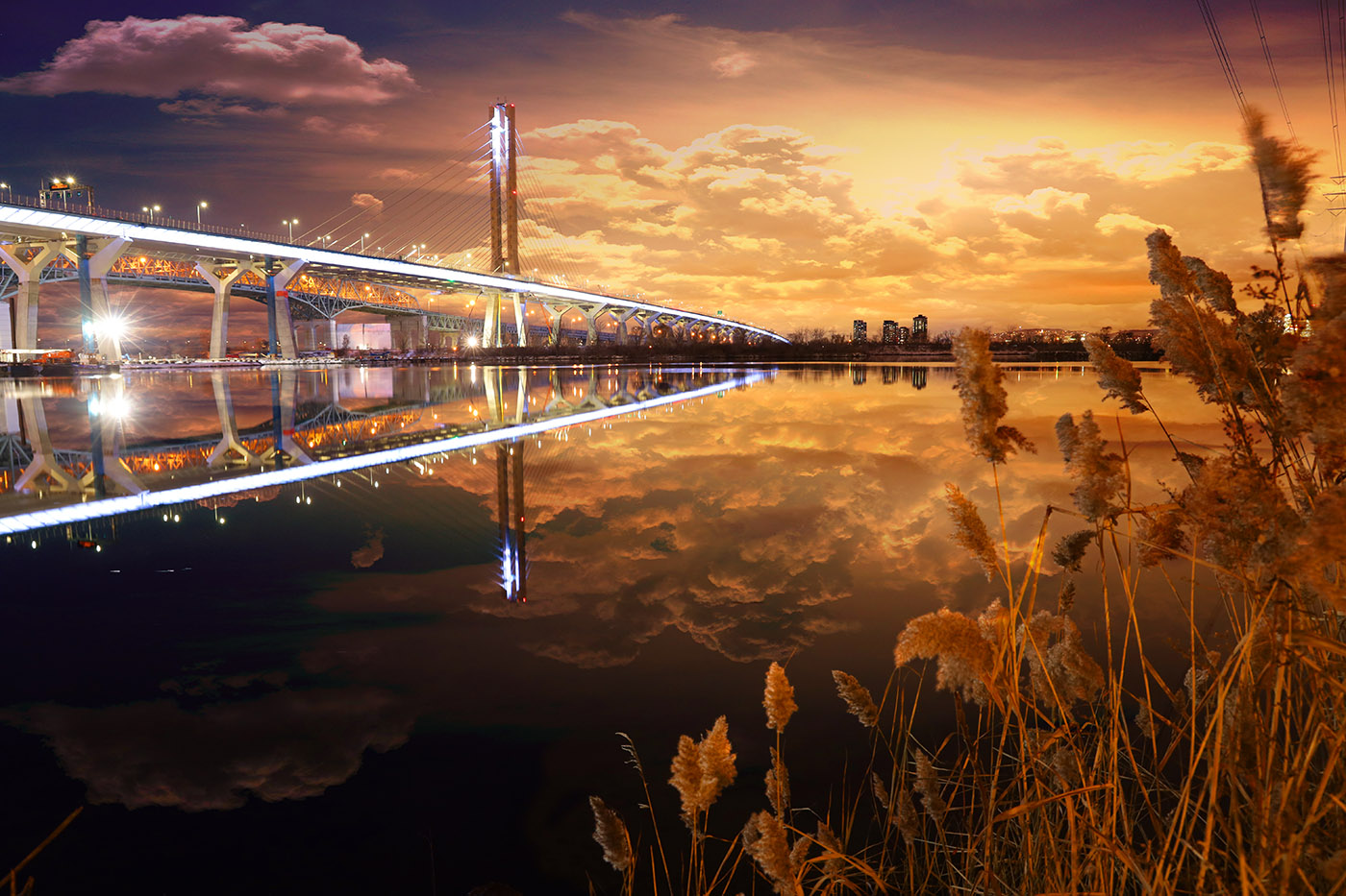 New Champlain Bridge in Montreal City 1 - Stock Photos, Pictures & Images